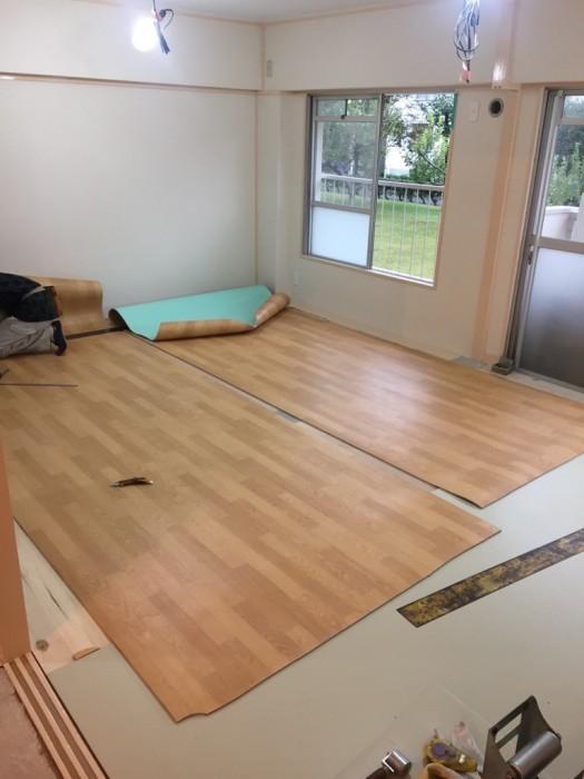 床敷設 施工状況